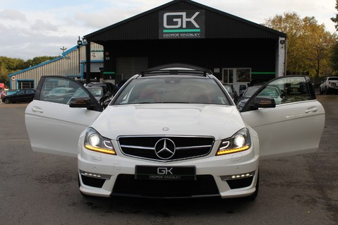 Mercedes-Benz C Class C63 AMG - PERFORMANCE PACKAGE- CARBON- MEDIA-16K FACTORY OPTIONS -LSD-FMBSH 18