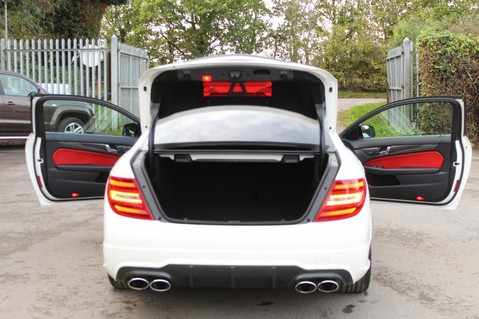 Mercedes-Benz C Class C63 AMG - PERFORMANCE PACKAGE- CARBON- MEDIA-16K FACTORY OPTIONS -LSD-FMBSH 21