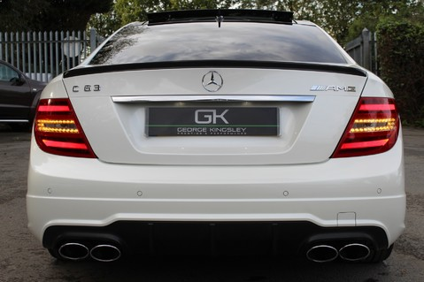 Mercedes-Benz C Class C63 AMG - PERFORMANCE PACKAGE- CARBON- MEDIA-16K FACTORY OPTIONS -LSD-FMBSH 23