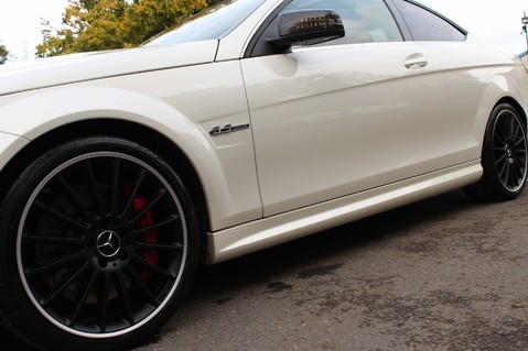 Mercedes-Benz C Class C63 AMG - PERFORMANCE PACKAGE- CARBON- MEDIA-16K FACTORY OPTIONS -LSD-FMBSH 25