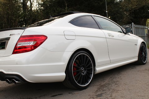 Mercedes-Benz C Class C63 AMG - PERFORMANCE PACKAGE- CARBON- MEDIA-16K FACTORY OPTIONS -LSD-FMBSH 26