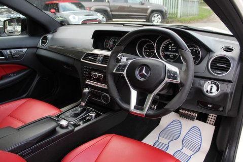 Mercedes-Benz C Class C63 AMG - PERFORMANCE PACKAGE- CARBON- MEDIA-16K FACTORY OPTIONS -LSD-FMBSH 52