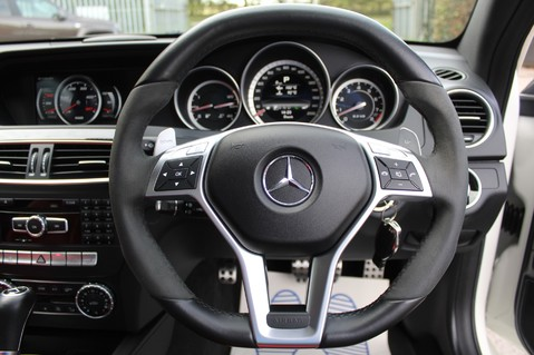 Mercedes-Benz C Class C63 AMG - PERFORMANCE PACKAGE- CARBON- MEDIA-16K FACTORY OPTIONS -LSD-FMBSH 57