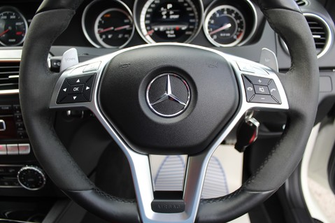 Mercedes-Benz C Class C63 AMG - PERFORMANCE PACKAGE- CARBON- MEDIA-16K FACTORY OPTIONS -LSD-FMBSH 62