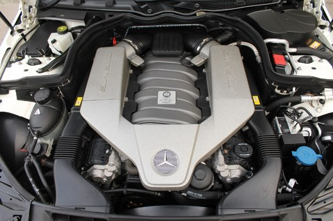 Mercedes-Benz C Class C63 AMG - PERFORMANCE PACKAGE- CARBON- MEDIA-16K FACTORY OPTIONS -LSD-FMBSH 83