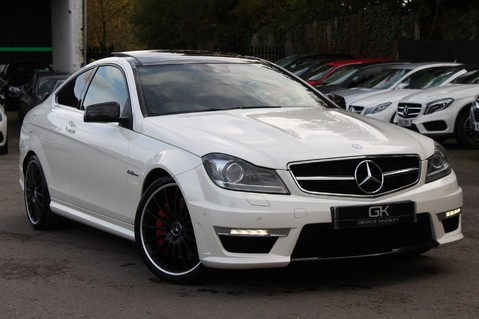 Mercedes-Benz C Class C63 AMG - PERFORMANCE PACKAGE- CARBON- MEDIA-16K FACTORY OPTIONS -LSD-FMBSH 1