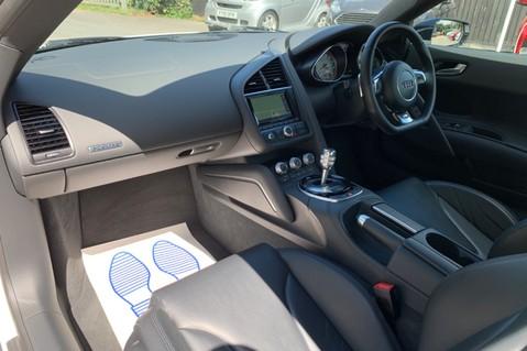 Audi R8 V8 QUATTRO S-TRONIC - LED HEADLIGHTS - FULL BLUETOOTH INTERFACE 13
