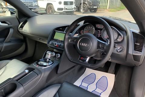 Audi R8 V8 QUATTRO S-TRONIC - LED HEADLIGHTS - FULL BLUETOOTH INTERFACE 14