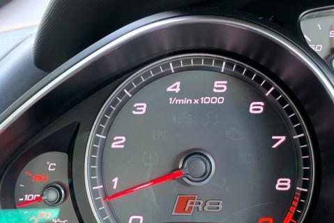 Audi R8 V8 QUATTRO S-TRONIC - LED HEADLIGHTS - FULL BLUETOOTH INTERFACE 41