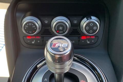 Audi R8 V8 QUATTRO S-TRONIC - LED HEADLIGHTS - FULL BLUETOOTH INTERFACE 48