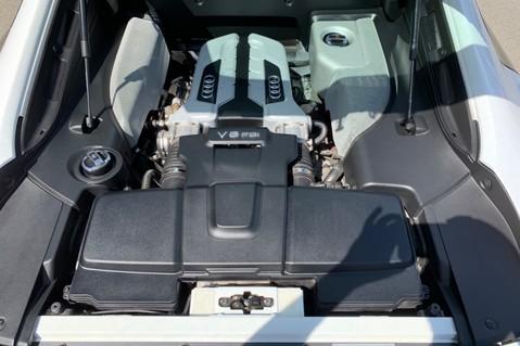 Audi R8 V8 QUATTRO S-TRONIC - LED HEADLIGHTS - FULL BLUETOOTH INTERFACE 54