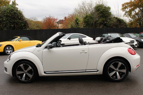 Volkswagen Beetle 60S EDITION - SAT NAV - DAB - RED/BLACK LEATHER - DEMO +1 OWNER FROM NEW 24