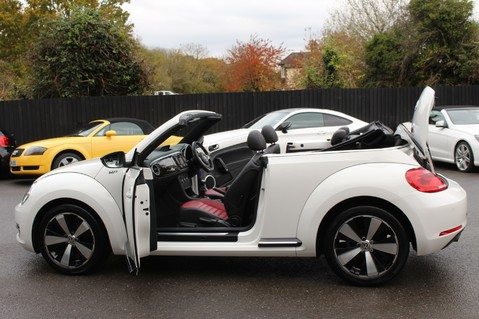 Volkswagen Beetle 60S EDITION - SAT NAV - DAB - RED/BLACK LEATHER - DEMO +1 OWNER FROM NEW 32