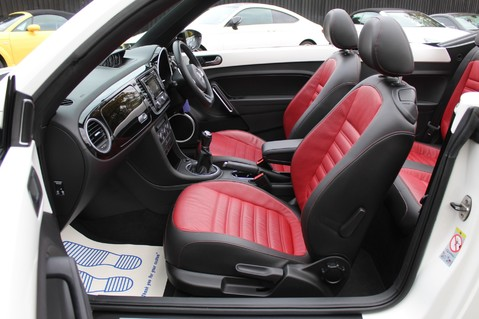 Volkswagen Beetle 60S EDITION - SAT NAV - DAB - RED/BLACK LEATHER - DEMO +1 OWNER FROM NEW 34