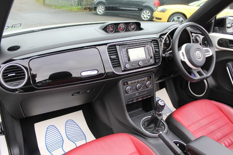 Volkswagen Beetle 60S EDITION - SAT NAV - DAB - RED/BLACK LEATHER - DEMO +1 OWNER FROM NEW 35