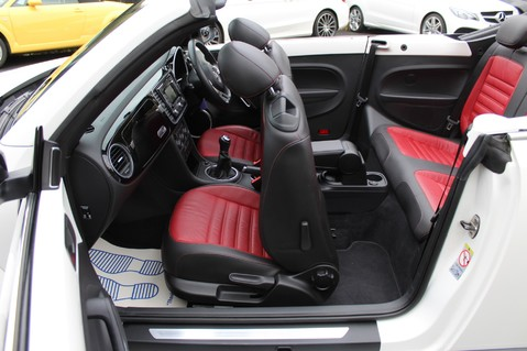 Volkswagen Beetle 60S EDITION - SAT NAV - DAB - RED/BLACK LEATHER - DEMO +1 OWNER FROM NEW 40