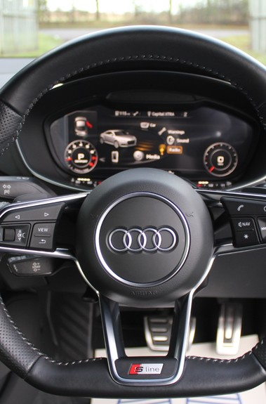 Audi TT TFSI QUATTRO S LINE S-TRONIC 230PS - VIRTUAL COCKPIT - APPLE CAR PLAY