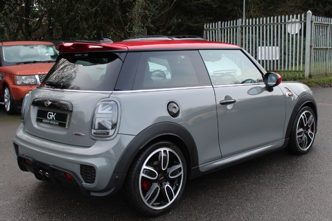 Mini Hatchback JOHN COOPER WORKS - AUTOMATIC 7