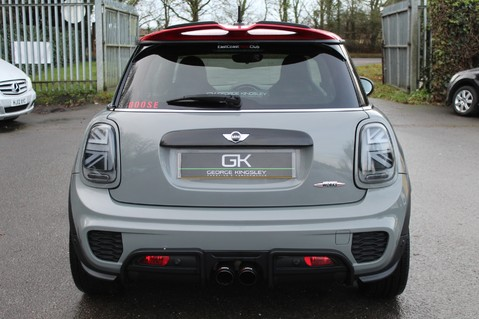Mini Hatchback JOHN COOPER WORKS - AUTOMATIC 8