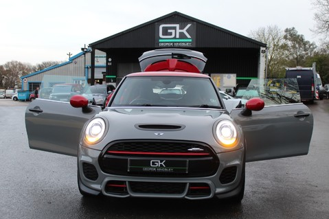 Mini Hatchback JOHN COOPER WORKS - AUTOMATIC 22
