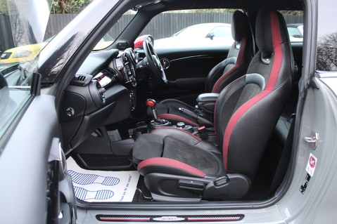 Mini Hatchback JOHN COOPER WORKS - AUTOMATIC 3