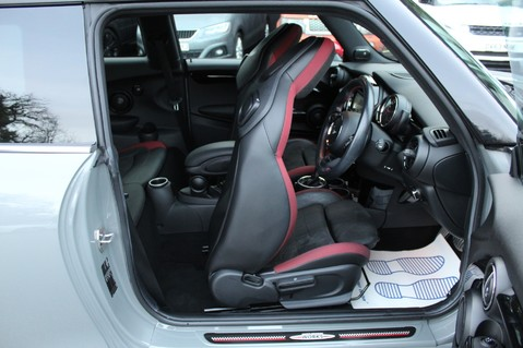 Mini Hatchback JOHN COOPER WORKS - AUTOMATIC 36