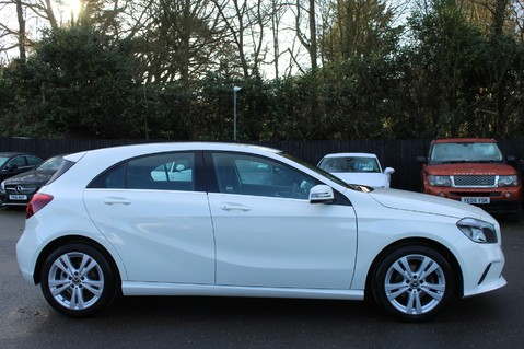 Mercedes-Benz A Class A 180 D SPORT - EURO 6 - LEATHER - REVERSING CAMERA - KEYLESS - ONE OWNER 4