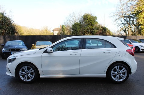 Mercedes-Benz A Class A 180 D SPORT - EURO 6 - LEATHER - REVERSING CAMERA - KEYLESS - ONE OWNER 7