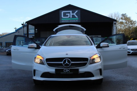 Mercedes-Benz A Class A 180 D SPORT - EURO 6 - LEATHER - REVERSING CAMERA - KEYLESS - ONE OWNER 13