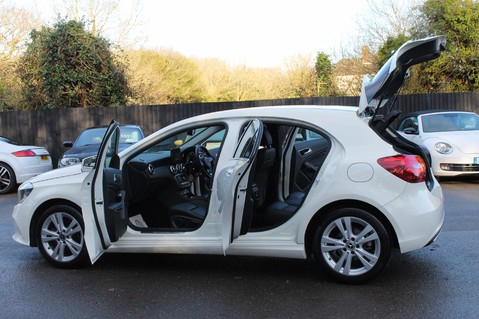 Mercedes-Benz A Class A 180 D SPORT - EURO 6 - LEATHER - REVERSING CAMERA - KEYLESS - ONE OWNER 15