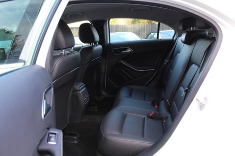 Mercedes-Benz A Class A 180 D SPORT - EURO 6 - LEATHER - REVERSING CAMERA - KEYLESS - ONE OWNER 23