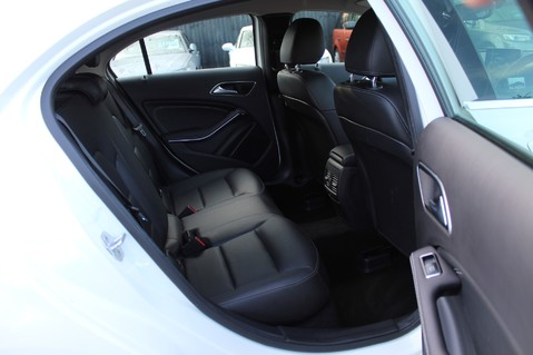 Mercedes-Benz A Class A 180 D SPORT - EURO 6 - LEATHER - REVERSING CAMERA - KEYLESS - ONE OWNER 26