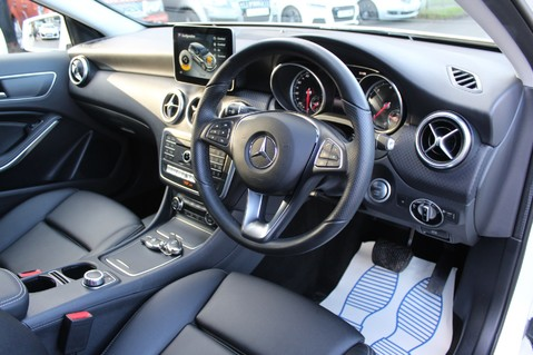 Mercedes-Benz A Class A 180 D SPORT - EURO 6 - LEATHER - REVERSING CAMERA - KEYLESS - ONE OWNER 11