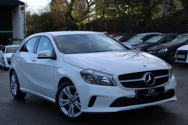 Mercedes-Benz A Class A 180 D SPORT - EURO 6 - LEATHER - REVERSING CAMERA - KEYLESS - ONE OWNER