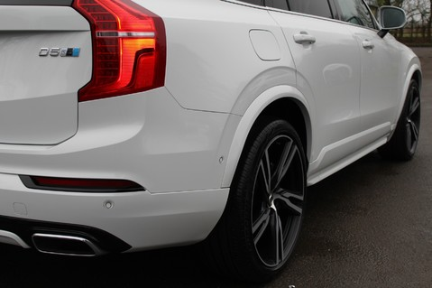 Volvo XC90 D5 POWERPULSE R-DESIGN - Pan Roof/ B+W Audio/22 Inch Alloys/Air Suspension 91