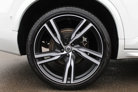 Volvo XC90 D5 POWERPULSE R-DESIGN - Pan Roof/ B+W Audio/22 Inch Alloys/Air Suspension 93