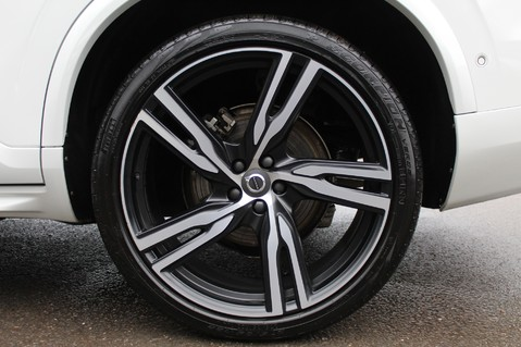 Volvo XC90 D5 POWERPULSE R-DESIGN - Pan Roof/ B+W Audio/22 Inch Alloys/Air Suspension 94