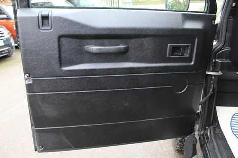 Land Rover Defender 110 TD XS SW LWB UTILITY WAGON 19