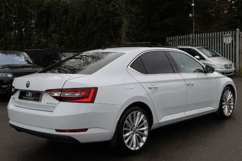 Skoda Superb SE L EXECUTIVE TDI DSG -EURO 6-PAN ROOF/KEYLESS/CANTON SOUND/APPLE CAR PLAY 5