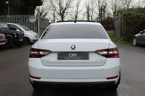 Skoda Superb SE L EXECUTIVE TDI DSG -EURO 6-PAN ROOF/KEYLESS/CANTON SOUND/APPLE CAR PLAY 6