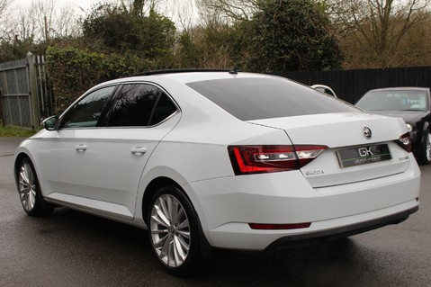 Skoda Superb SE L EXECUTIVE TDI DSG -EURO 6-PAN ROOF/KEYLESS/CANTON SOUND/APPLE CAR PLAY 2