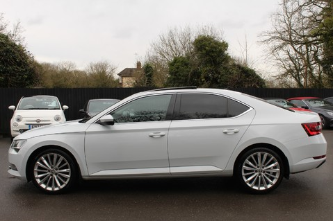 Skoda Superb SE L EXECUTIVE TDI DSG -EURO 6-PAN ROOF/KEYLESS/CANTON SOUND/APPLE CAR PLAY 7