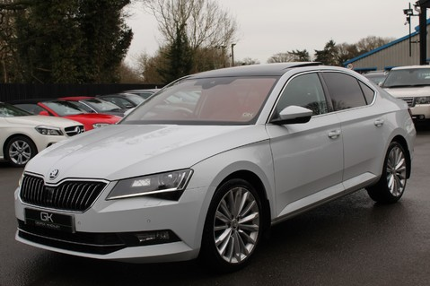 Skoda Superb SE L EXECUTIVE TDI DSG -EURO 6-PAN ROOF/KEYLESS/CANTON SOUND/APPLE CAR PLAY 8