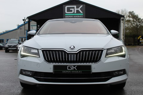 Skoda Superb SE L EXECUTIVE TDI DSG -EURO 6-PAN ROOF/KEYLESS/CANTON SOUND/APPLE CAR PLAY 9
