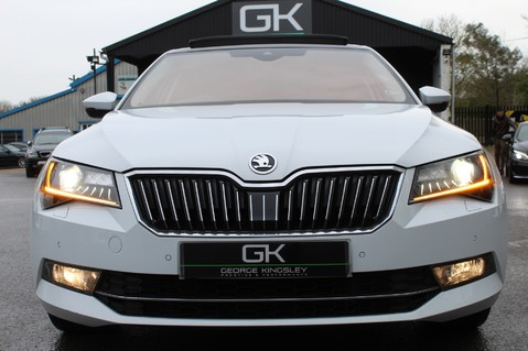 Skoda Superb SE L EXECUTIVE TDI DSG -EURO 6-PAN ROOF/KEYLESS/CANTON SOUND/APPLE CAR PLAY 19