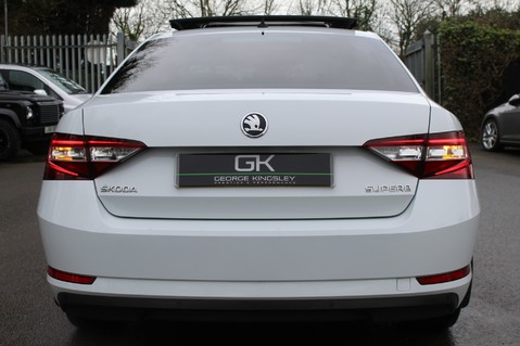 Skoda Superb SE L EXECUTIVE TDI DSG -EURO 6-PAN ROOF/KEYLESS/CANTON SOUND/APPLE CAR PLAY 20