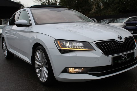 Skoda Superb SE L EXECUTIVE TDI DSG -EURO 6-PAN ROOF/KEYLESS/CANTON SOUND/APPLE CAR PLAY 21