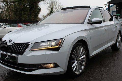 Skoda Superb SE L EXECUTIVE TDI DSG -EURO 6-PAN ROOF/KEYLESS/CANTON SOUND/APPLE CAR PLAY 22