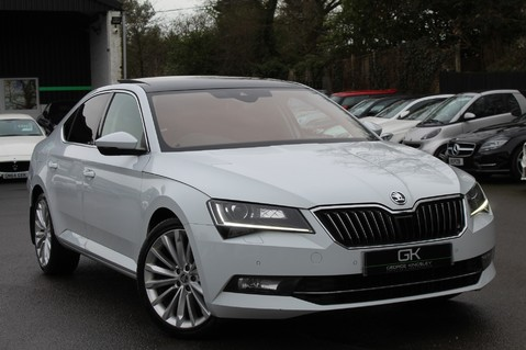 Skoda Superb SE L EXECUTIVE TDI DSG -EURO 6-PAN ROOF/KEYLESS/CANTON SOUND/APPLE CAR PLAY 1