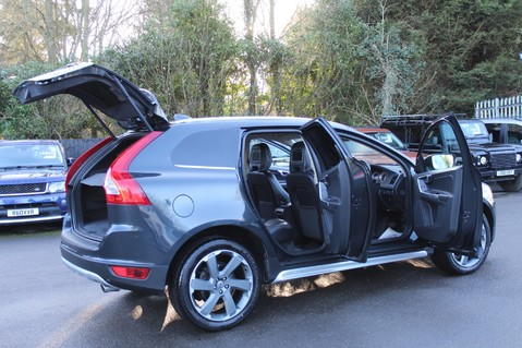 Volvo XC60 D5 SE LUX NAV AWD - POLESTAR - REAR ENTERTAINMENT/DVD PLAYERS -CAMERA- DAB 14